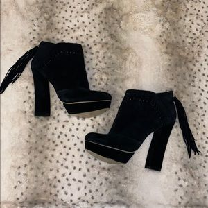NINE WEST BOOTIES 6.5